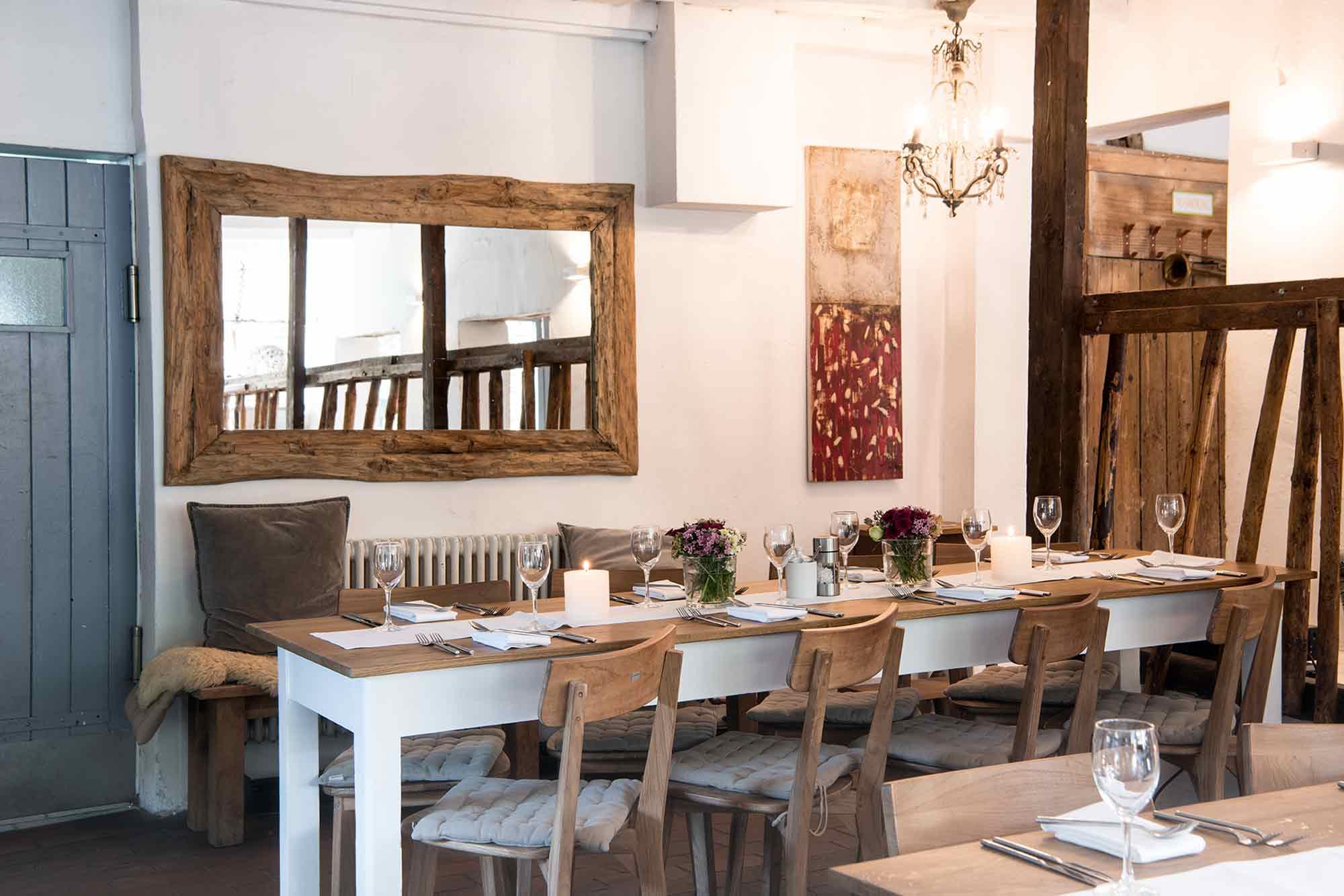 Eselsmühle Feiern Im Stall Gedeckter Tisch